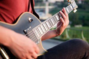 انتخاب گیتار الکتریک برای شروع نوازندگی