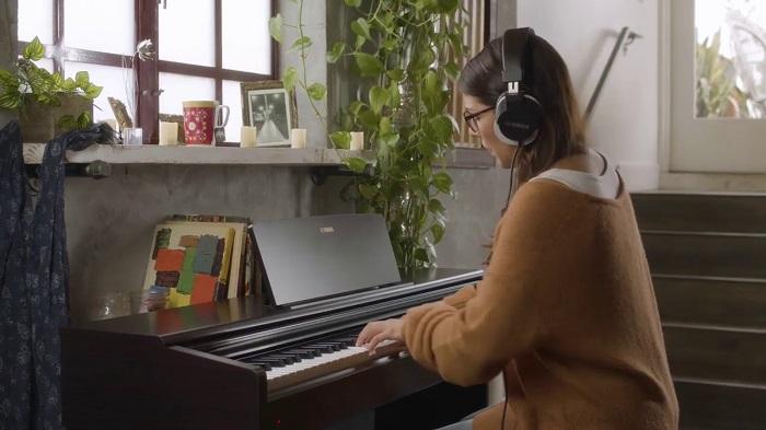 پیانو یاماها YDP 144