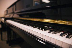 خرید پیانو برای افراد مبتدی و نیمه حرفه ای
