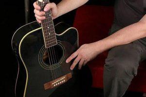 تعویض سیم گیتار الکتریک و آکوستیک
