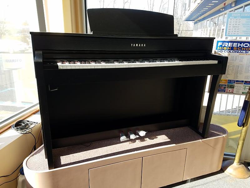 پیانوی دیجیتال Yamaha CLP-645