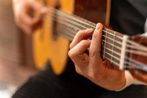 چگونه نت های گیتار را یاد بگیریم