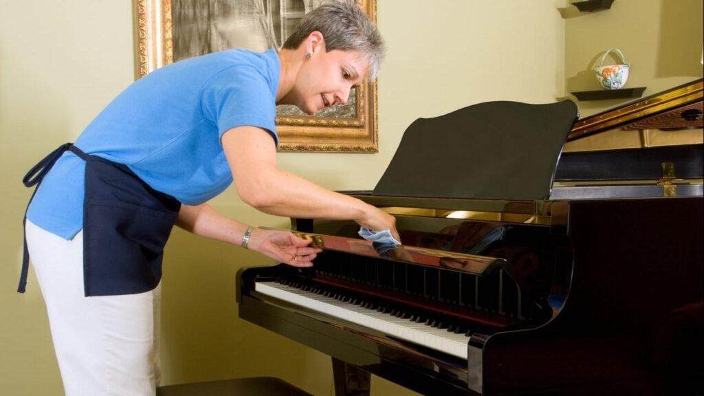 تمیزکردن پیانو آکوستیک
