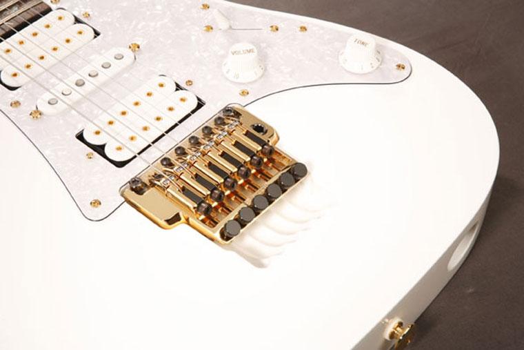 IBANEZ JEM 7V WH | گیتار الکتریک |