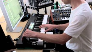 بررسی-novation-launchkey-61-mk2