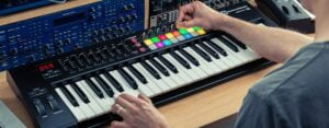 مشخصات-novation-launchkey-61-mk2