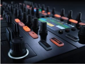 کنترلر مشخصات native instruments traktro s8